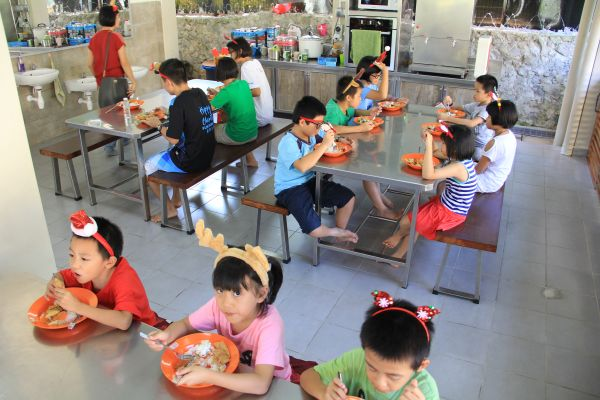 visit-ru-yi-children-home-11968BF886-9739-314A-9E2B-D84D14ABFC64.jpg