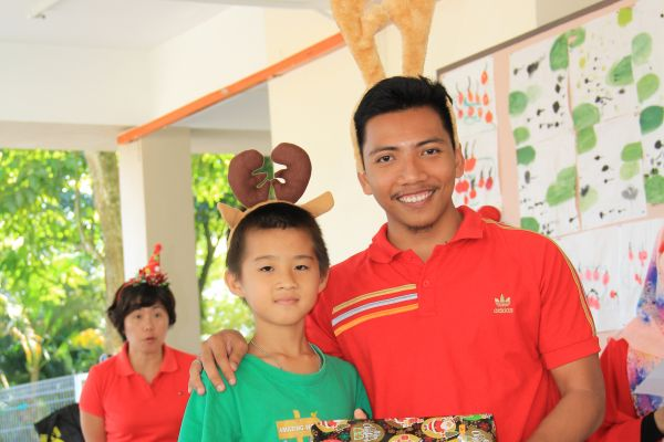 visit-ru-yi-children-home-17D0011D3B-7F89-6A48-CC3E-2FE06F8D57E3.jpg