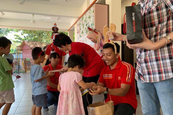 visit-ru-yi-children-home-19aC043E5B7-794D-D2BC-6FC0-BD4011897BCF.jpeg